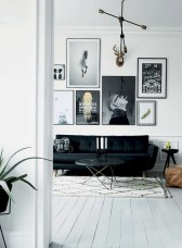 93+ Comfy Apartment Living Room in Black and White Style Ideas (18)