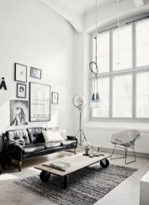 93+ Comfy Apartment Living Room in Black and White Style Ideas (55)