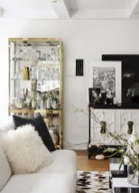 93+ Comfy Apartment Living Room in Black and White Style Ideas (86)