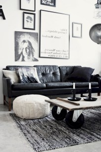 93+ Comfy Apartment Living Room in Black and White Style Ideas (95)