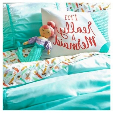 36+ Sweet Mermaid Themes Bedroom Ideas For Your Children (13)