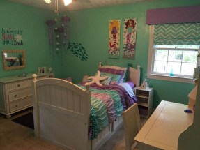36+ Sweet Mermaid Themes Bedroom Ideas For Your Children (31)