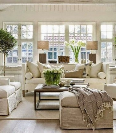 43+ The Top Family Living Room Decoration Ideas (42)