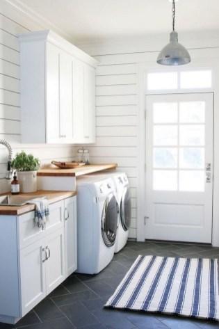 45+ Amazing Interior Design Ideas With Farmhouse Style (40)