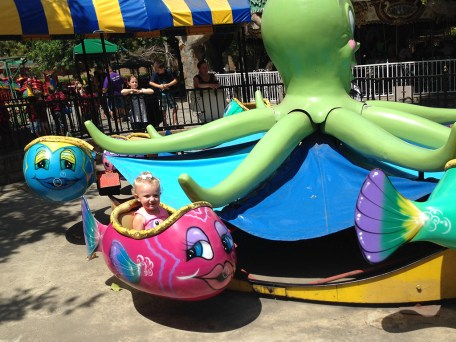 Funderland Octopus and Fish Ride for Little Kids