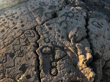 Tour Ancient Hawaiian Petroglyphs