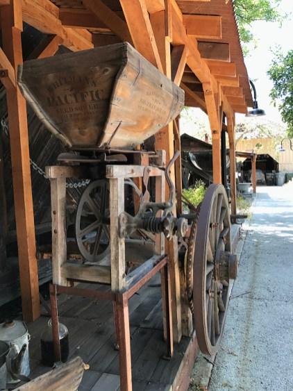 Folsom Pioneer Artifacts