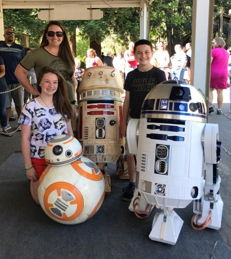 R2d2 and BB8 at Sacramento Zoo Star Wars Day