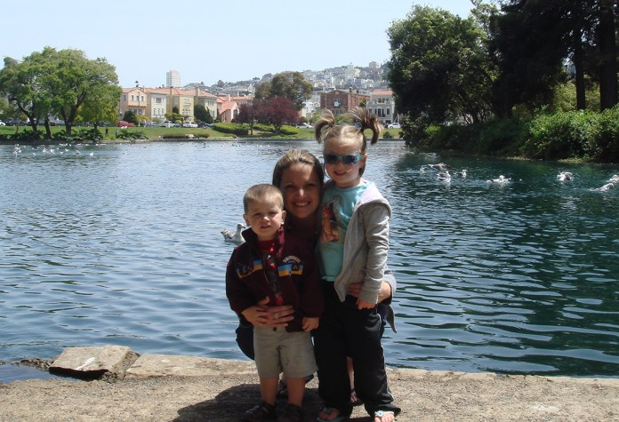 Jennifer Bourn with Kids Natalie and Carter in 2008
