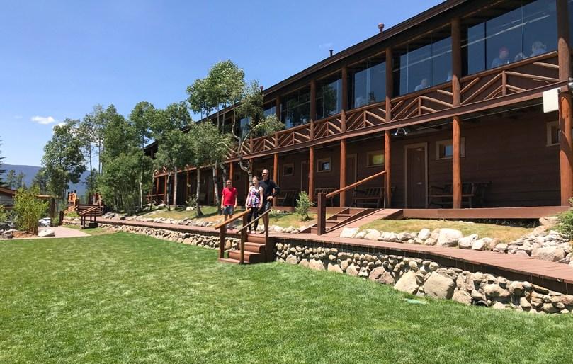 Grand Lake Lodge Restaurant Overlooking The Grass