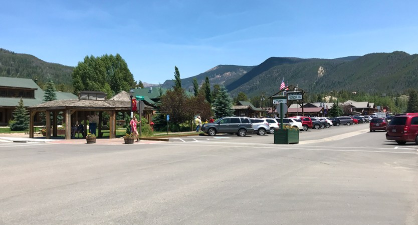 Grand Lake Shopping and Tourist District