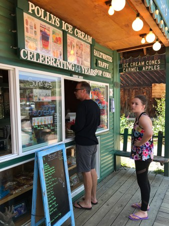 Polly Ice Cream in Grand Lake