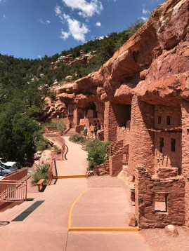 A look at the wall of cliff dwellings