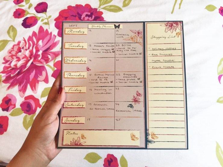 blog-essentials-kit-blogger-guide-calendar-weekly-planner