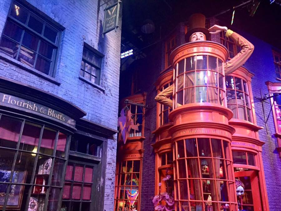harry-potter-world-diagon-alley-hogwarts-november-favourites