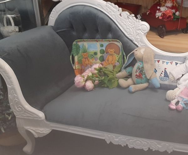 French Style Chaise Standard