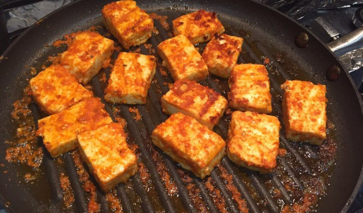 Paneer grilling in pan
