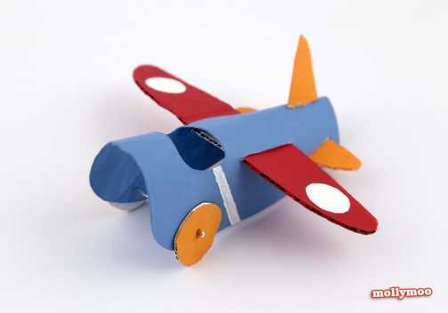Avião feito com rolo de papel higiênico – PAP