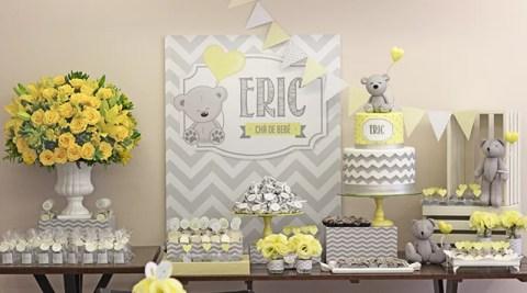 Chá de bebê do Eric: Urso Cinza e amarelo