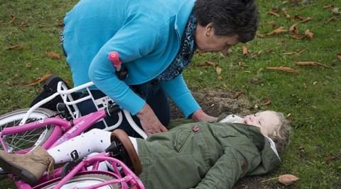 Procedimentos de primeiros socorros essenciais para pais e mães