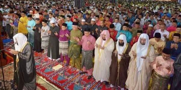 bacaan doa qunut shubuh dalam bahasa arab, latin dan artinya dalam bahasa Indonesia lengkap, bacaan doa qunut imam dan makmum