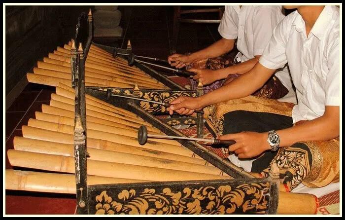 Rindik Bali - Alat Musik Bali Tradisional