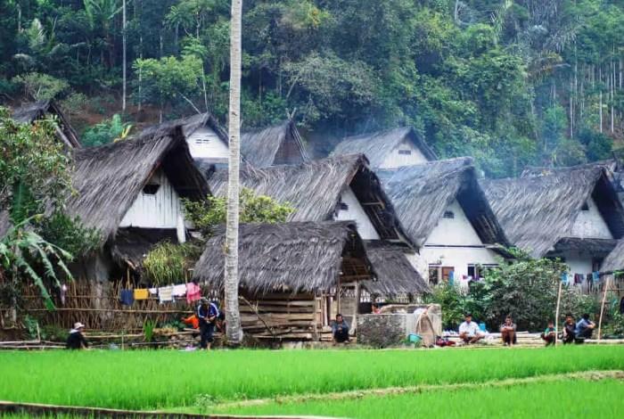 Rumah Adat Jawa Barat - Kampung Naga