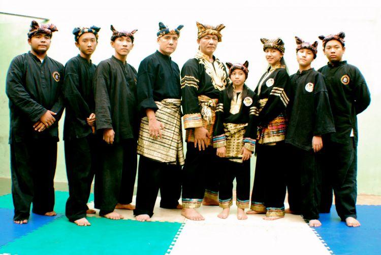 Foto silek harimau datuk and team