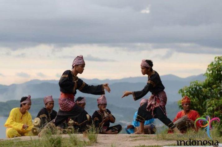Penyebaran pencak silat Indonesia
