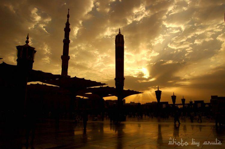 masjid nabwi siluet