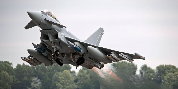 pesawat tempur Eurofighter Typhoon