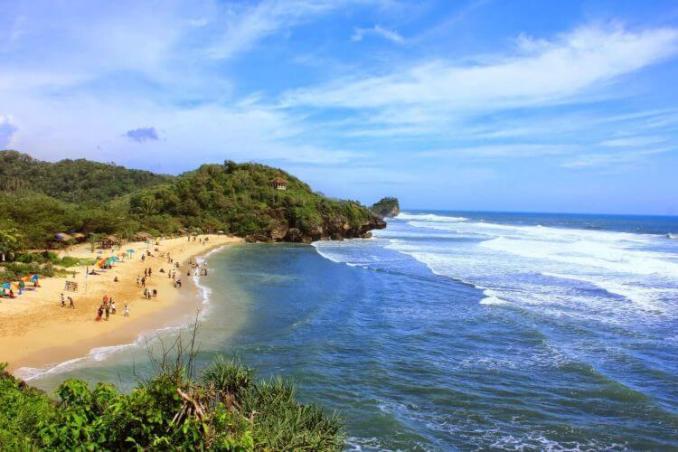 wisata pantai indrayanti