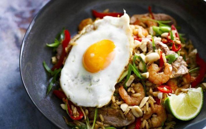 makanan enak Indonesia - nasi goreng