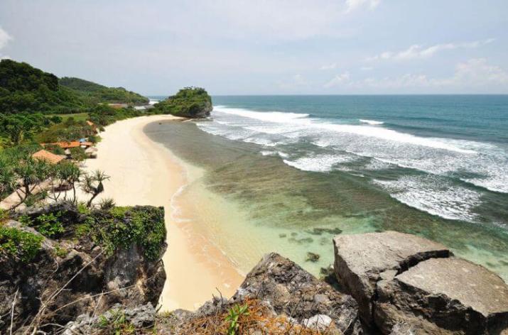 sejarah pantai indrayanti
