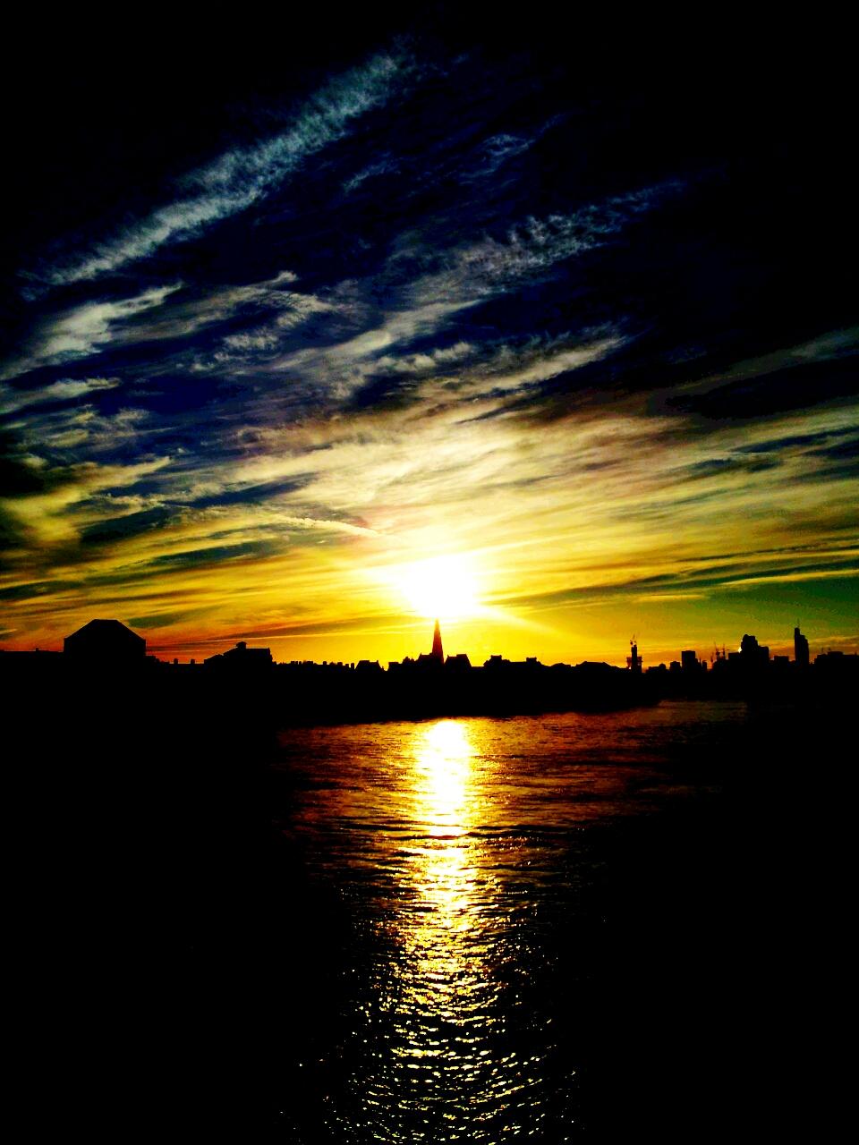 Saurons eye over the Thames