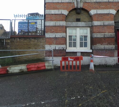 It is thought that the body of Polly Nicholls was found by a gate to the left of the school building