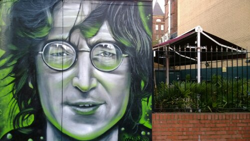 Dave Nash painted this amazing portrait of John Lennon in Camden Town