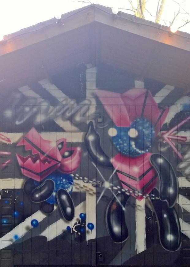 Punk shed by Fanakapan