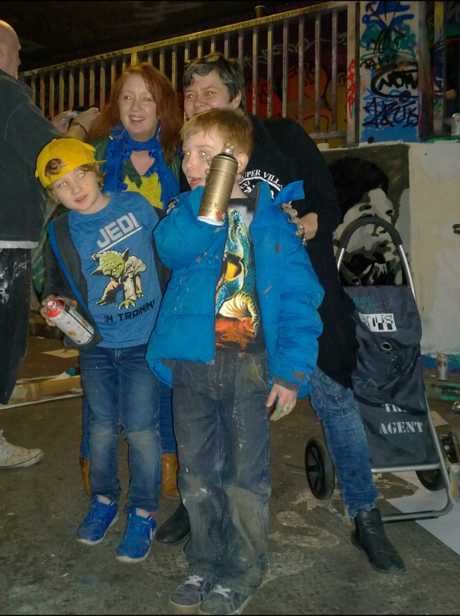 Lisart and with some young friends having painted in the tunnel