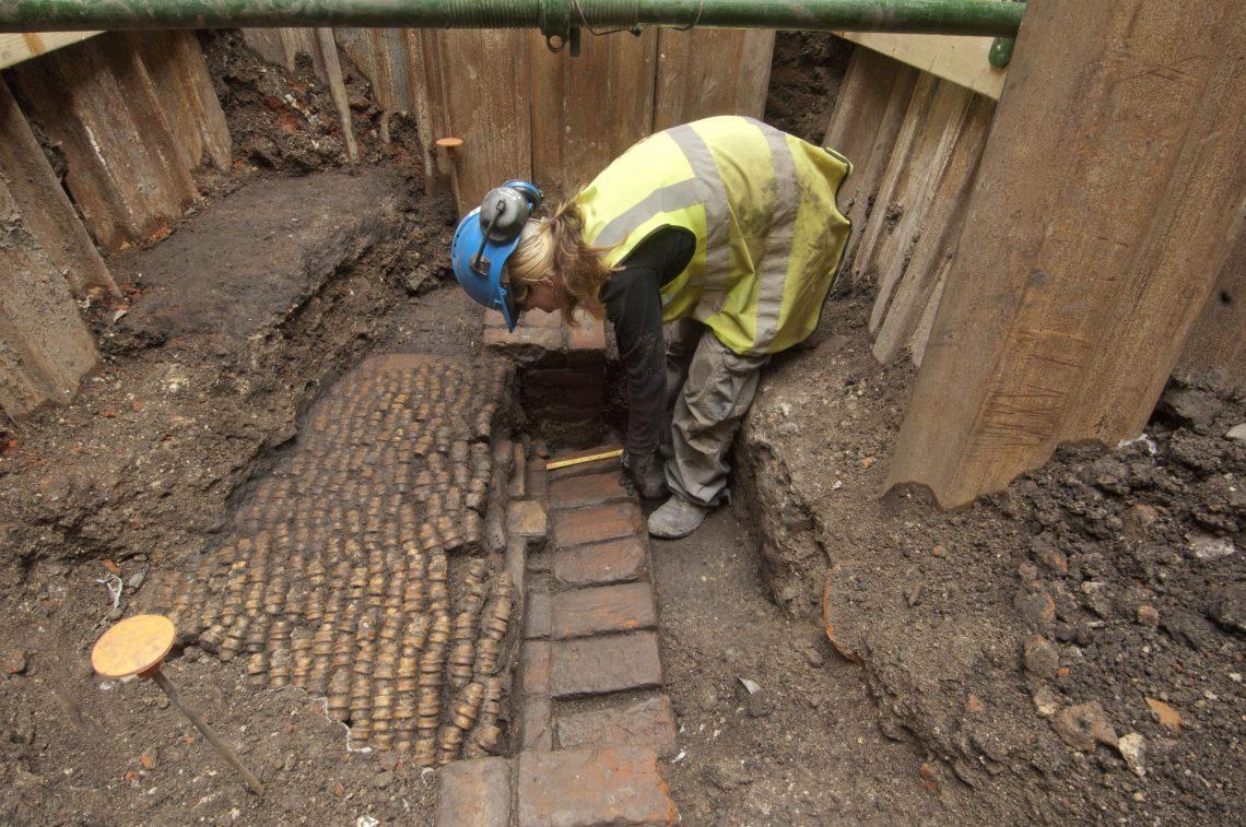 8. Trial excavation at Curtain Theatre site (c) MOLA