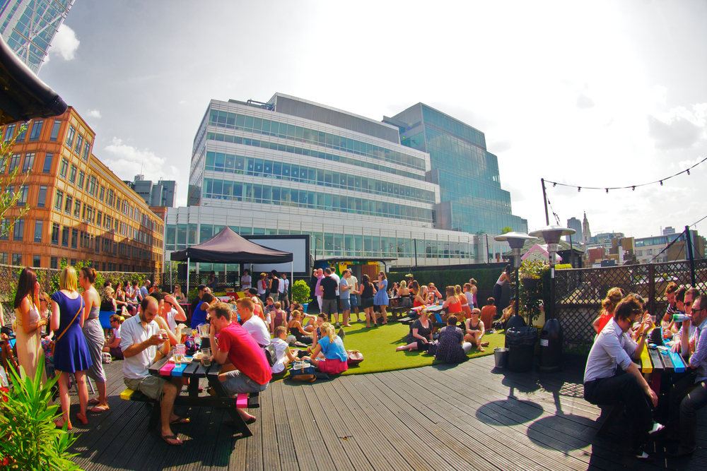 queen-of-hoxton-eat-drink-clubs-venues-large