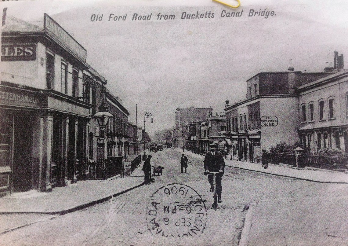 An Old view of Old Ford Road and the Lord Morpeth pub