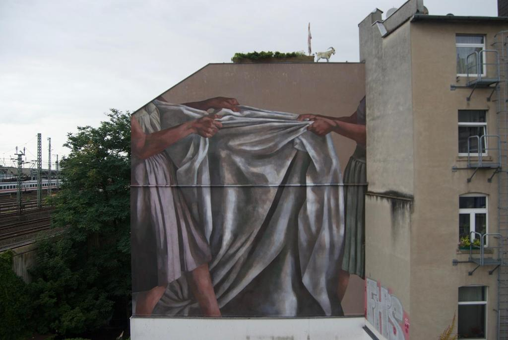 Hyuro mural in Cologne