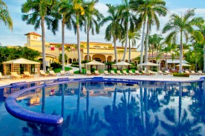 Inspiring Kitchen Casa Velas pool