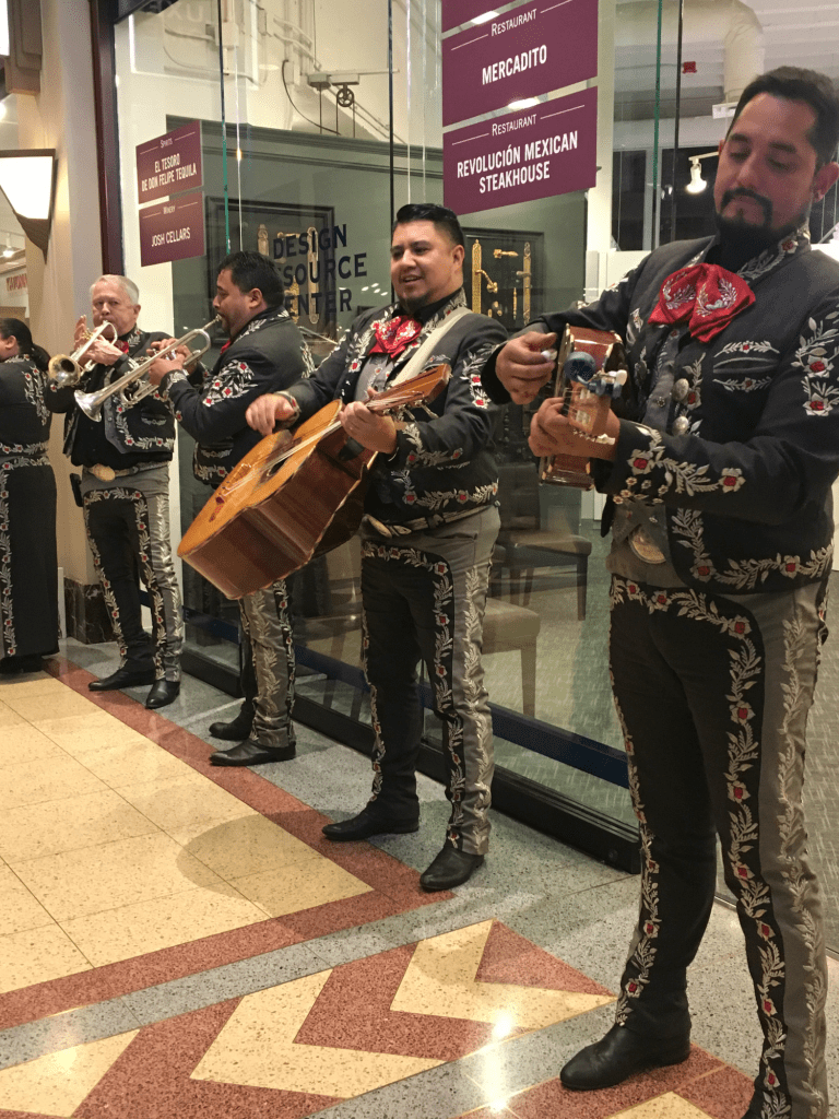 LuxeHome Chill 2017: Food, Wine and Kitchen Design mariachis