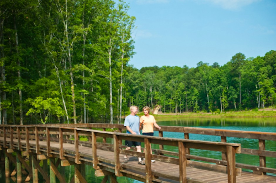 Reynolds Lake Oconee walking path