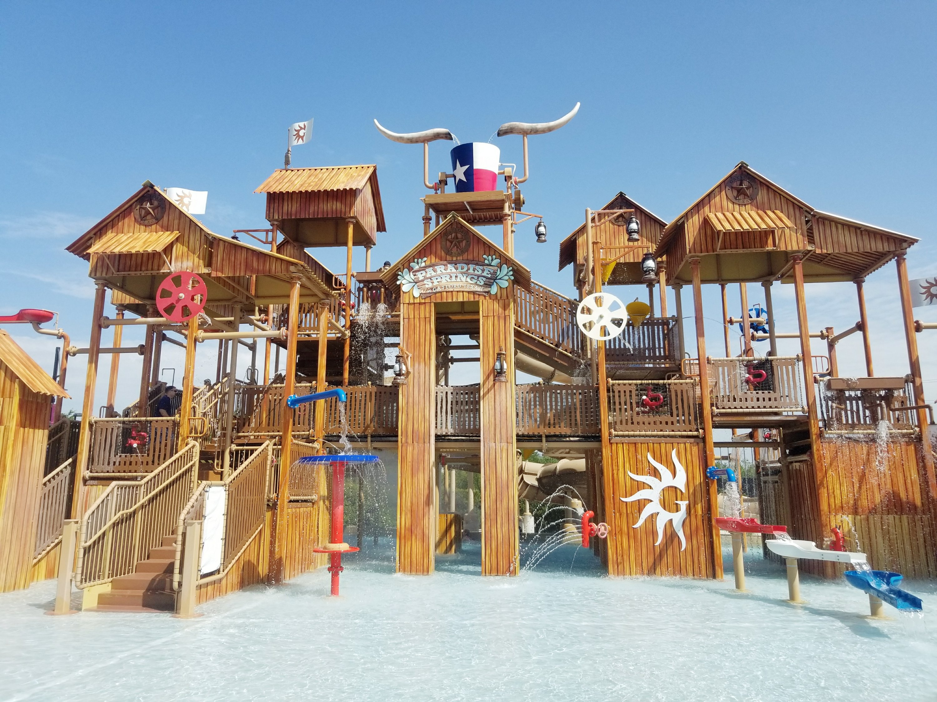Texas Waterpark at Gaylord Texan in Grapevine Texas - Paradise Springs