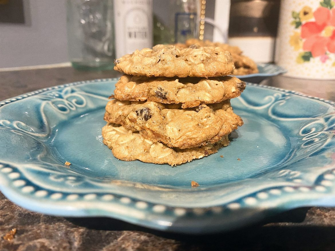 Quick and Easy, Soft and Chewy Oatmeal Raisin Cookies