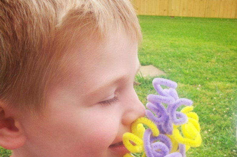 How To Make Pipe Cleaner Flowers