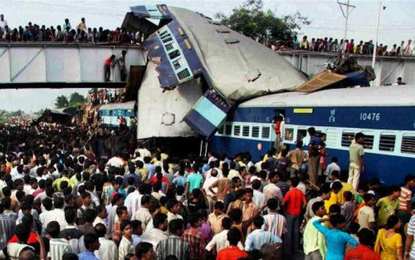 Dreadful collision in Firozabad; 358 killed